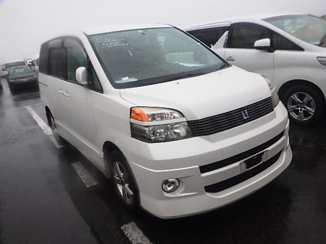 Toyota Voxy  Van / OneBox 4 - 2002  IAT PEARL WHITE