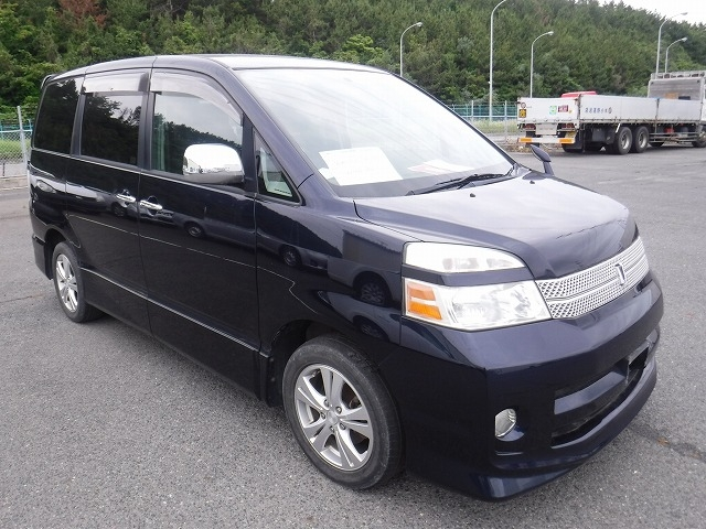 Toyota Voxy  Van / OneBox 9 - 2006  CAT Blue