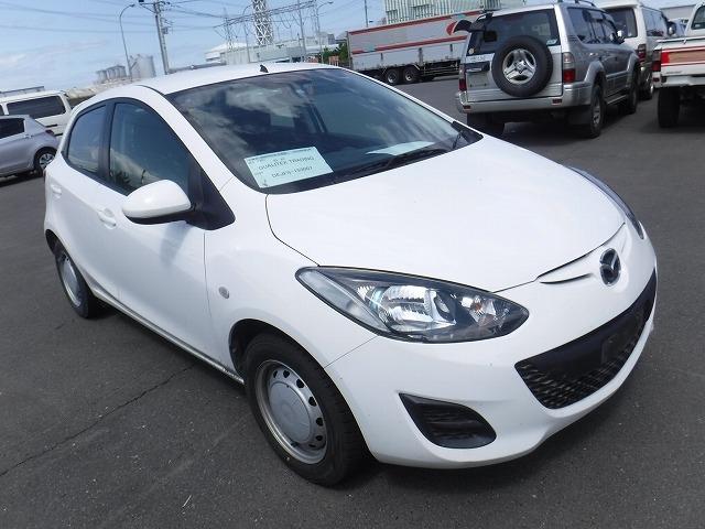 Mazda Demio  Hatchback 4 - 2013  DAT WHITE