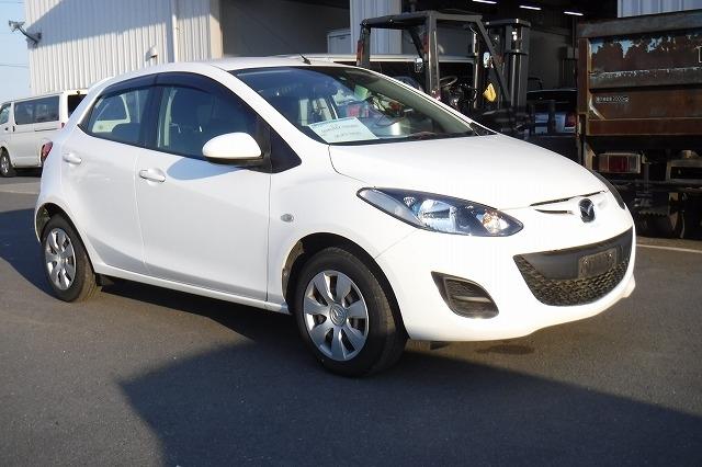 Mazda Demio  Hatchback 4 - 2013  IAT WHITE