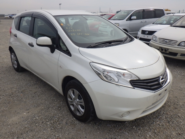 Nissan Note  Hatchback 4 - 2014  FAT PEARL WHITE