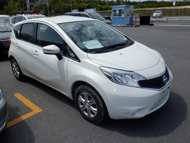 NISSAN NOTE  HATCHBACK 4 - 2015  AT PEARL WHITE