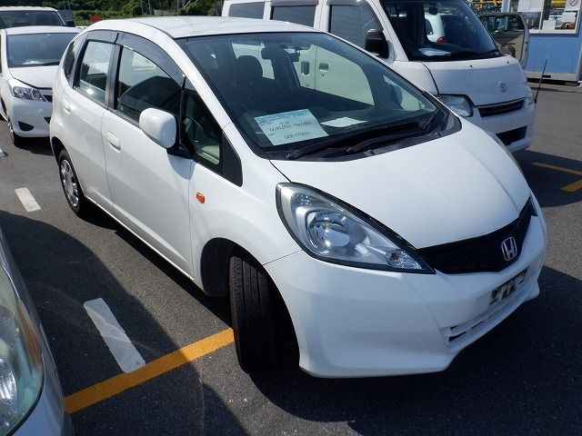 HONDA FIT  HATCHBACK 7 - 2014  FAT WHITE