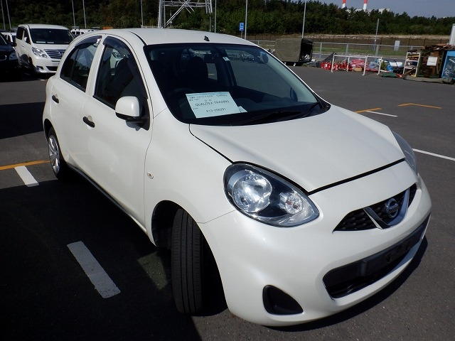 NISSAN MARCH  HATCHBACK 10 - 2014  FAT PEARL WHITE