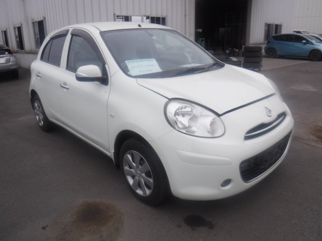 Nissan March  Hatchback 12 - 2012  FAT PEARL WHITE