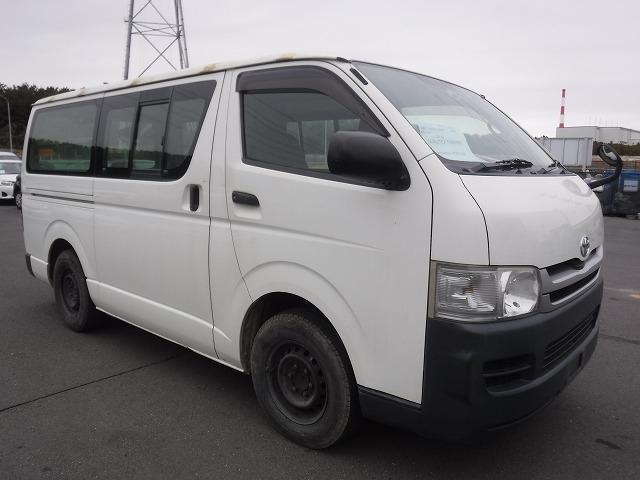 Toyota Regius Ace Van  Van / OneBox 2 - 2010  I5 WHITE