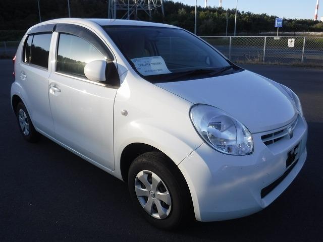 Toyota Passo  Hatchback 10 - 2011  AT WHITE