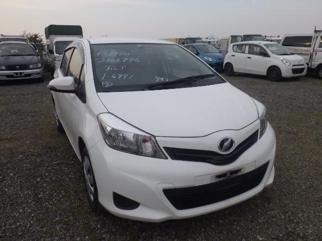 Toyota Vitz  Hatchback 2 - 2014  FAT PEARL WHITE