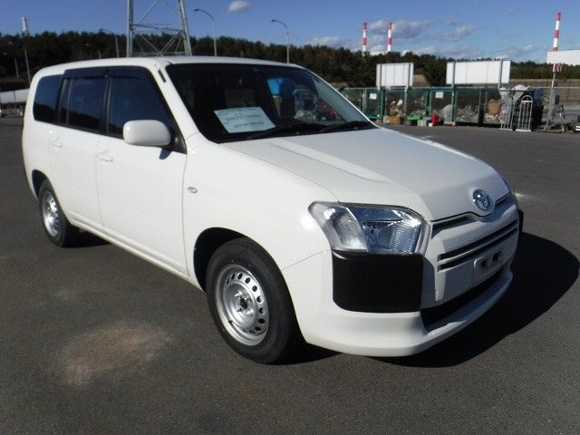 Toyota Succeed Van  Station Wagon 10 - 2016  FAT White