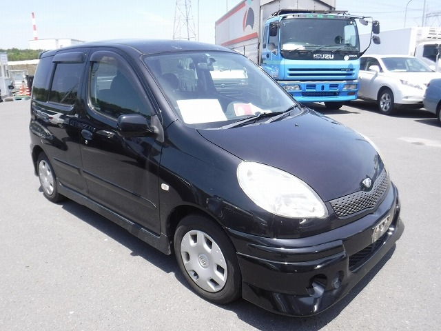 Toyota Funcargo  Hatchback 10 - 2003  CAT BLACK