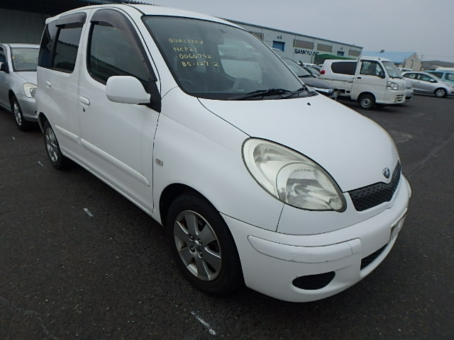Toyota Funcargo  Hatchback 3 - 2003  CAT WHITE
