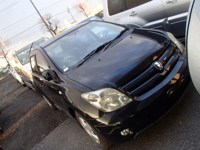 Toyota IST  Hatchback 2 - 2005  FAT BLACK