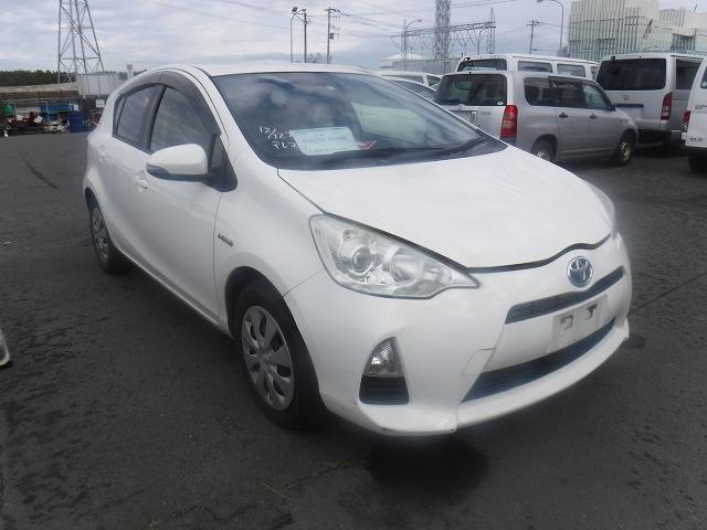 Toyota AQUA  Hatchback 11 - 2012  AT WHITE