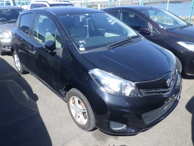 TOYOTA VITZ  HATCHBACK 3 - 2011  FAT BLACK