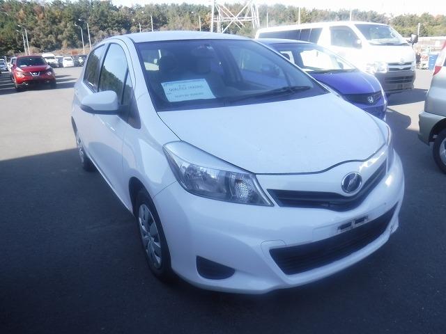 Toyota Vitz  Hatchback 2 - 2012  FAT WHITE