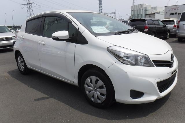 Toyota Vitz  Hatchback 6 - 2013  FCVT White