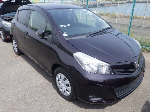 TOYOTA VITZ  HATCHBACK 8 - 2013  FAT PURPLE