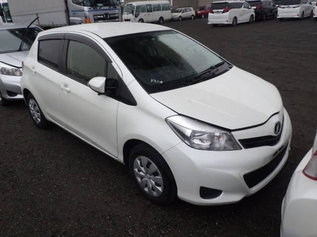 Toyota Vitz  Hatchback 11 - 2013  FAT PEARL WHITE