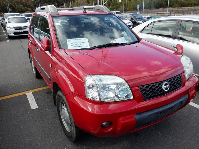 NISSAN X-TRAIL  SUV 2 - 2007  FAT RED
