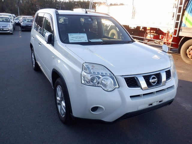 NISSAN X-TRAIL  SUV 12 - 2011  FAT PEARL WHITE