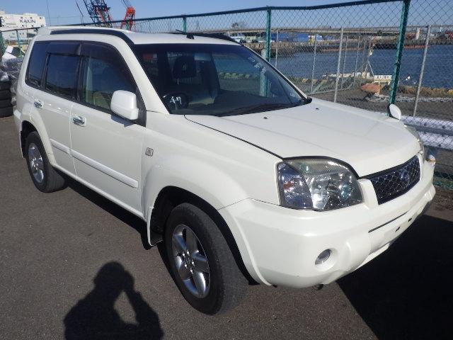 NISSAN X-TRAIL  SUV 10 - 2003  FAT PEARL WHITE