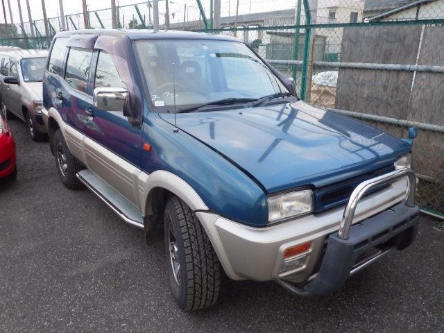 Nissan Mistral  SUV 3 - 1996  AT DARK GREEN