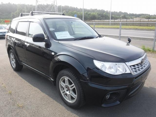 Subaru Forester  SUV 6 - 2011  AT BLACK