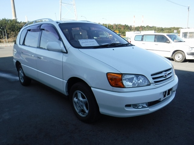Toyota Ipsum  Station Wagon 1 - 2001  CAT Pearl White