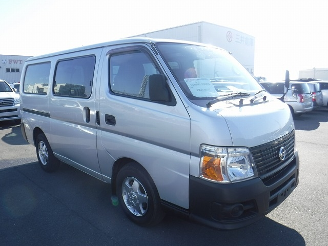 Nissan Caravan Long DX  Van / OneBox 3 - 2012  F5 Silver