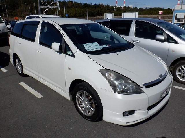 TOYOTA WISH  STATION WAGON 6 - 2003  DAT PEARL WHITE