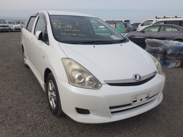 TOYOTA WISH  STATION WAGON 10 - 2007  DAT PEARL WHITE