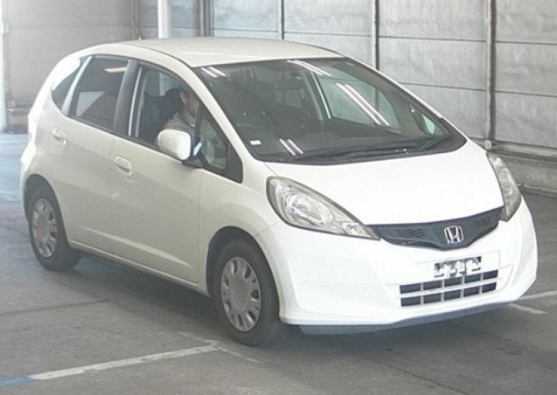 Honda Fit  Hatchback 11 - 2011  FAT White