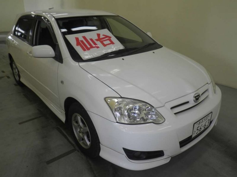 Toyota Corolla Runx  Hatchback 5 - 2004  FAT White