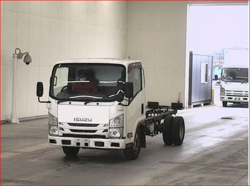 ISUZU ELF  TRUCK 5 - 2012  F6 WHITE