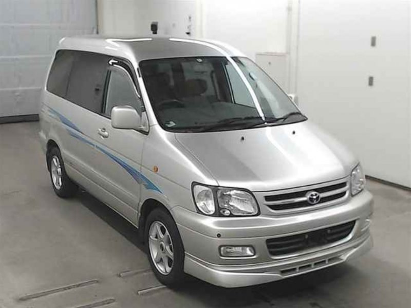 TOYOTA TOWNACE NOAH  VAN / ONEBOX 3 - 2000  AT SILVER