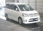 2003 Toyota Noah